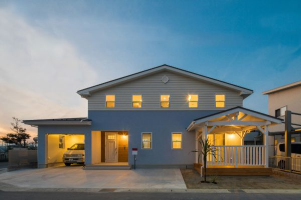 CALIFORNIA STYLE HOUSE